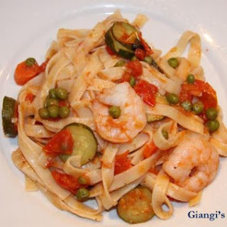 Fettuccine with Shrimps and Vegetables