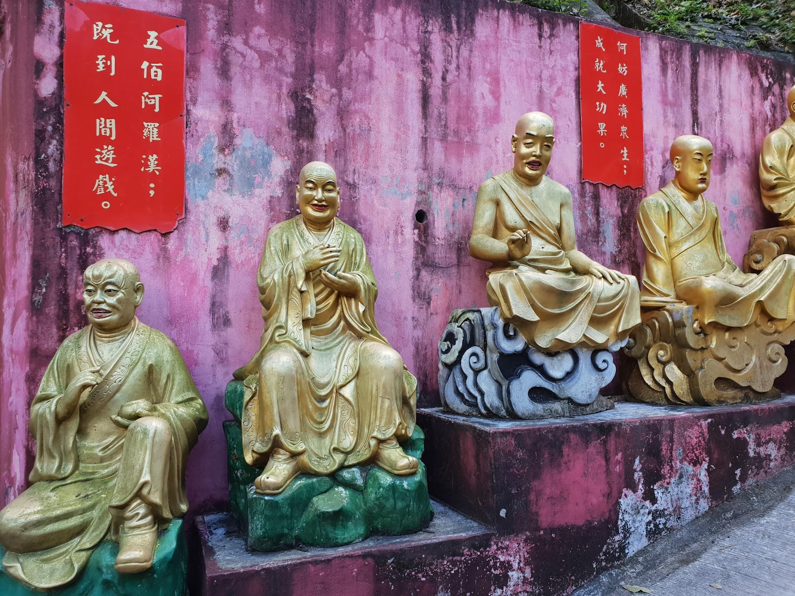 10000 buddhas monastery