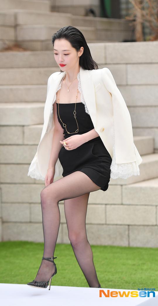 sulli black mini dress 1