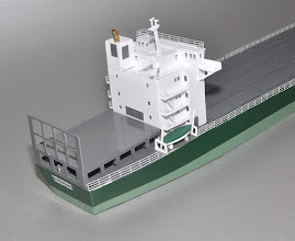 Photo: Rear view of superstructure. These kept getting smaller in length in order to squeeze in a few more containers.
