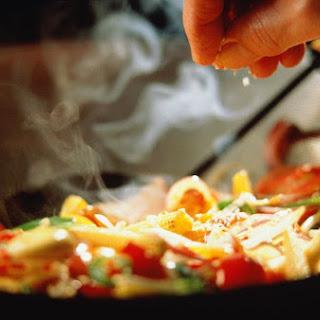 Thai Stir-Fried Noodles with Vegetables (Easy!).