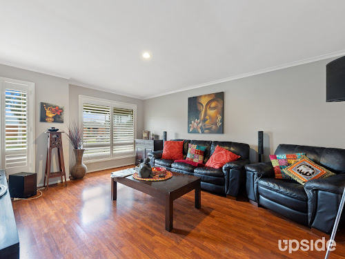 Photo of property at 2 Foxwood Drive, Cranbourne East 3977