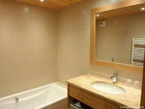 """Photo: #006-Notre chambre à l'hôtel """"Les sapins"""" à Manigod."""