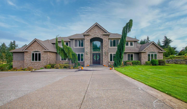 Villa Ridgefield