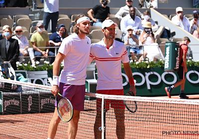 Djokovic wankelt even maar komt terug van dubbele set achterstand en haalt zijn tweede Roland Garros binnen