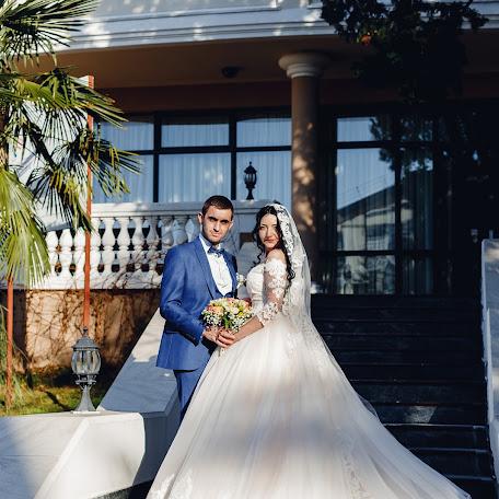 Wedding photographer Viktoriya Kompaniec (kompanyasha). Photo of 19.12.2017