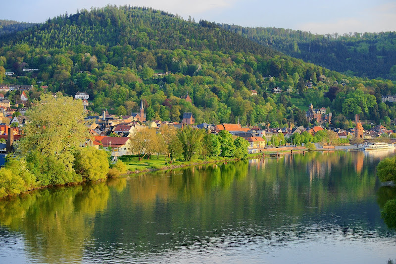 Photo: Miltenberg Main und Burg