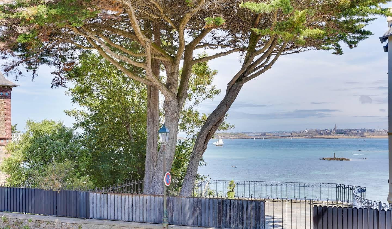 Maison en bord de mer avec jardin Dinard