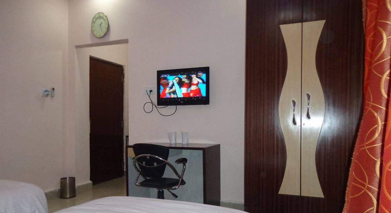 Hotel Om International