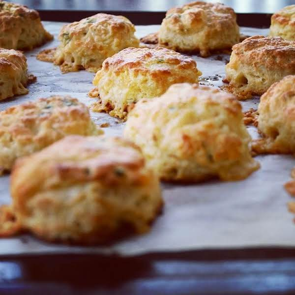Soooo Good, Iris's Hot Cheese Biscuits Recipe