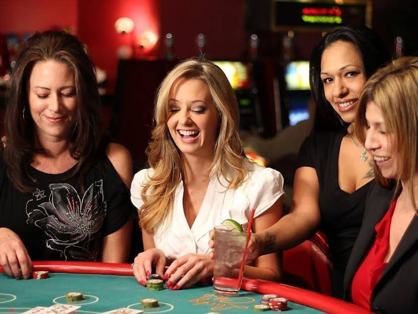 Lucky Club Casino & Hotel