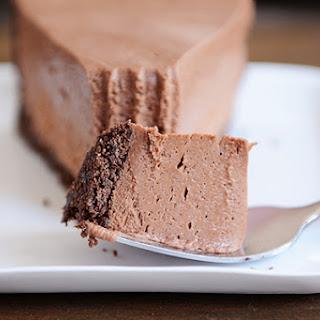 No-Bake Creamy Chocolate Cheesecake