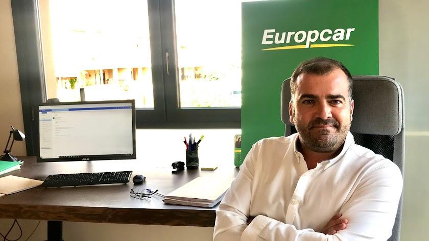José Román Capella, Agente operador de Europcar.