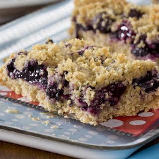 Skinny Blueberry Crumble Bars.