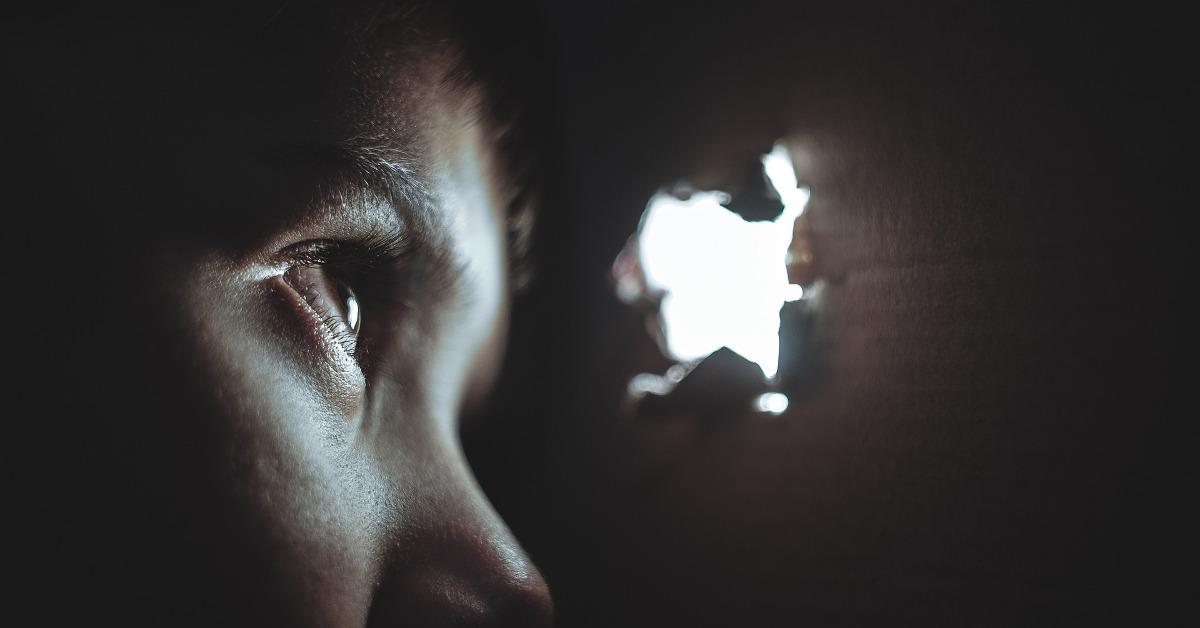 Khuôn mặt ngày càng hung ác, người có âm khí (hàn khí)