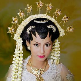 javanesse wedding  by Abdul Firdausy - Wedding Bride & Groom
