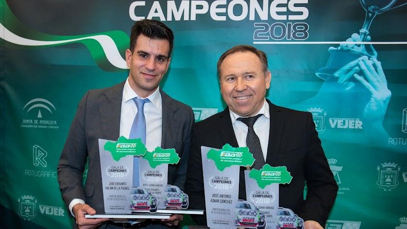 Aznar y Galán, con sus respectivos trofeos