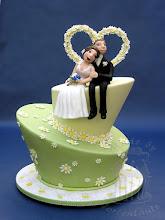 Photo: Infos zur Torte findet ihr dort http://tortentante.blogspot.de/2015/05/hochzeitstorte-topsy-turvy-wedding-cake.html