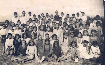 Photo: Στην αυλή του σχολείου Έτος 1948