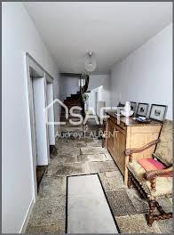 Maison 8 pièces 243 m2