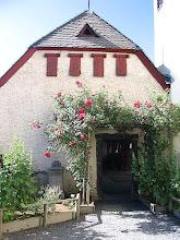 Photo: Kräutergarten der Burg © Wikipedia CC Lizenz Urheber   Efgeka