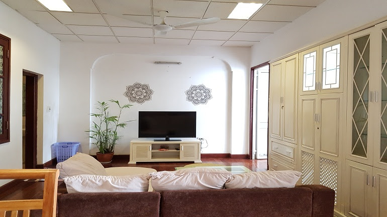 Good price 1 – bedroom apartment near Truc Bach lake for rent