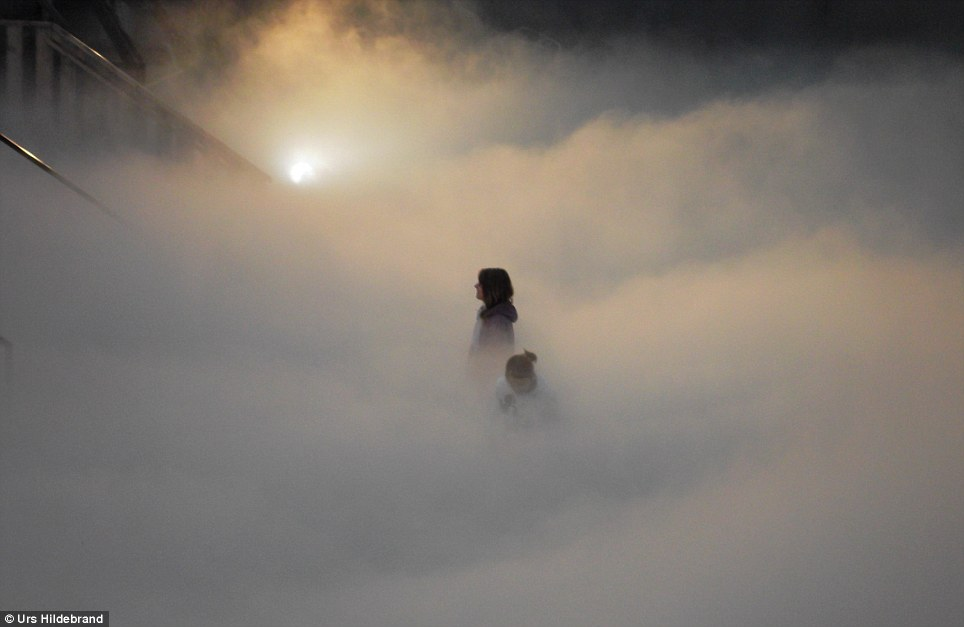 Gamasutra: Mykhaylo Kotys's Blog - Fast per-pixel lit volumetric fog