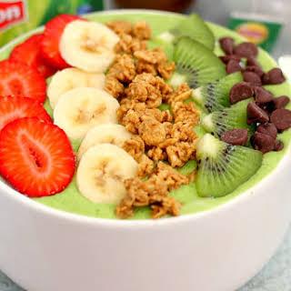 Banana Kiwi Green Smoothie Bowl.