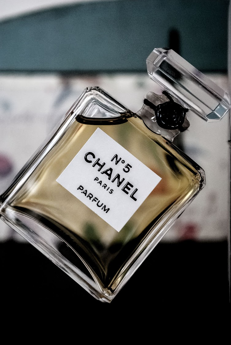 Chanel no 5 parfum.