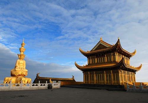 Golden Temple Summit is a great place to visit for those with a Chinese Visa that are more adventurous...