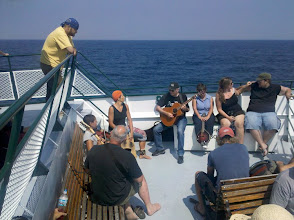Photo: Live Music Aboard the Emerald Isle (Photo by Hahnfeld)