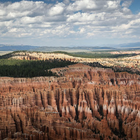 Bryce by Ruben Parra - Landscapes Caves & Formations ( clouds, national park, rock formations, utah, hoodoos, landscape, bryce canyon )