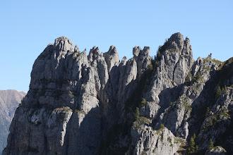 Photo: La dentelle calcaire de la crête de Chabrières.