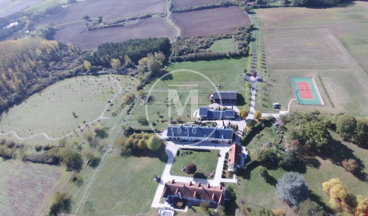 Property with pool Valencay