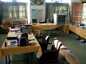 Photo: ...  a todo esto, ¡ necesitamos poner orden el la sala de juntas y cacharreo !