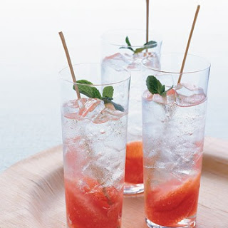 Grapefruit-and-Mint Mojito
