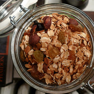 Best Healthy Homemade Maple Granola Recipe - 3 Points+