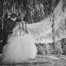 Wedding photographer Miroslava Velikova (studioMirela). Photo of 25.12.2017