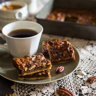 Vegan and Paleo Pecan Pie Bars {6 Ingredients}