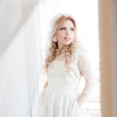 Wedding photographer Valentina Vyunnikova (ValentinkaView). Photo of 20.01.2015