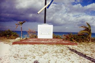 Photo: #014-L'île San Salvador
