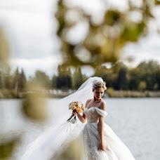 Wedding photographer Yana Krutikova (IanaKrutikova). Photo of 01.01.2019