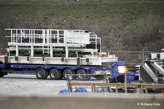 Photo: Anlieferung von TBM-Komponenten mit Schwerlasttransportern