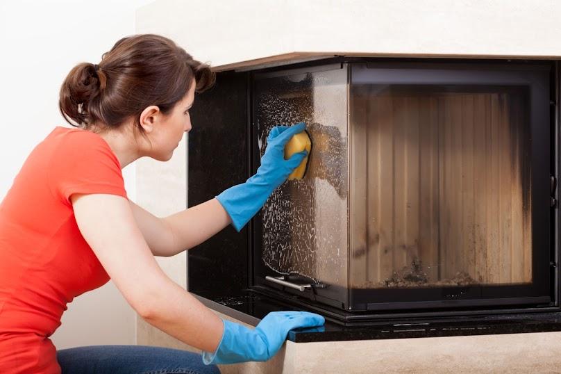 Czyszczenie kominka w domu - jak wykonać?