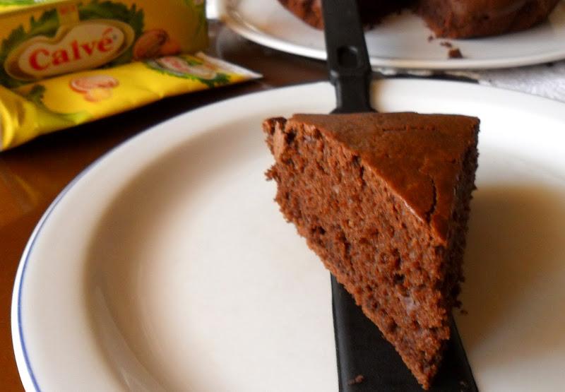 Photo: http://www.daniele-pasticcere.it/2011/07/torta-al-cioccolato-e-maionese/#.TrlFpWBI4R8