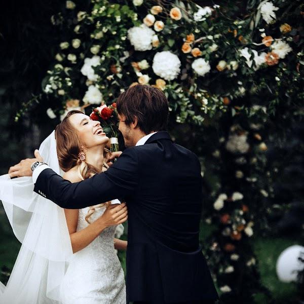 Wedding photographer Vasiliy Tikhomirov (BoraBora). Photo of 24.12.2015