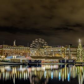The citypark in Bergen norway by Svein-Rene Kraakenes - City,  Street & Park  City Parks ( nikond850, pariswheel, park, waterscape, buildings, nightscene, christmas, city lights, streetlights, nikon, city park,  )