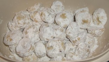Dolly's Chocolate Snowballs Recipe
