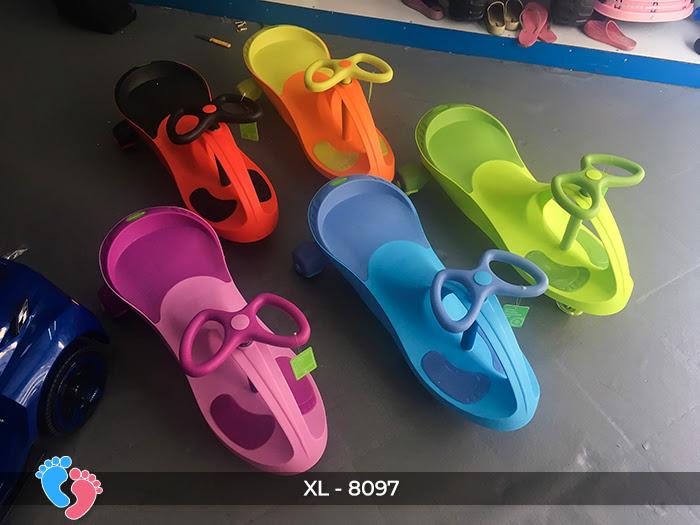 Xe lắc đồ chơi cho bé Broller XL-8097 4