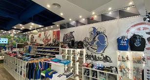 El  local se encuentra dentro del Centro Comercial Torrecárdenas.